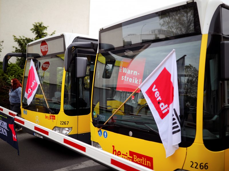Vokietijoje vyksta visuotinis viešojo transporto darbuotojų streikas