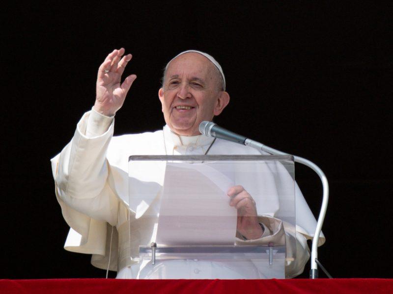 Popiežius į Iraką vyks nepaisydamas raketinės atakos