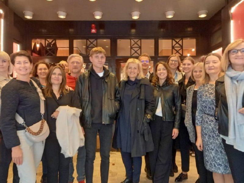 """Filmas """"Izaokas"""" rodytas švedų publikai seniausiame Stokholmo kino teatre"""