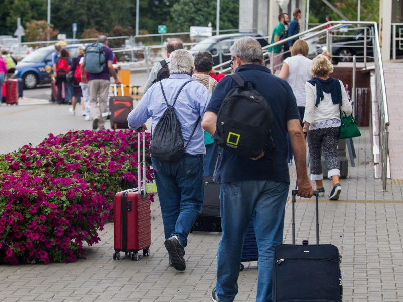 Liūdna statistika: vėl emigravusių daugiau nei atvykusių