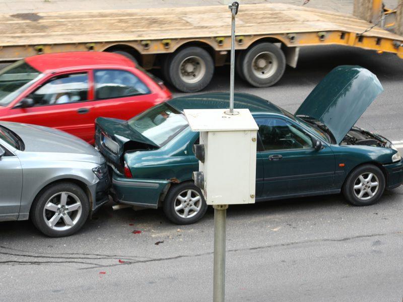 Naujovė: popierinių eismo įvykių deklaracijų pildyti nebereikės