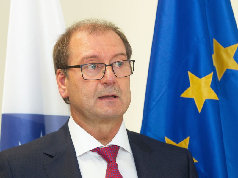 EP liberalai svarstys homofobija apkaltino V. Uspaskicho narystę frakcijoje