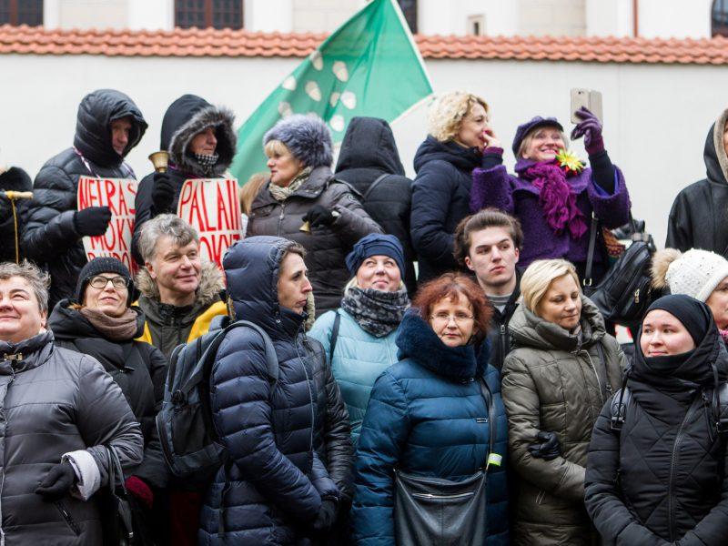 Mokytojai stabdo daugiau nei mėnesį trukusį streiką