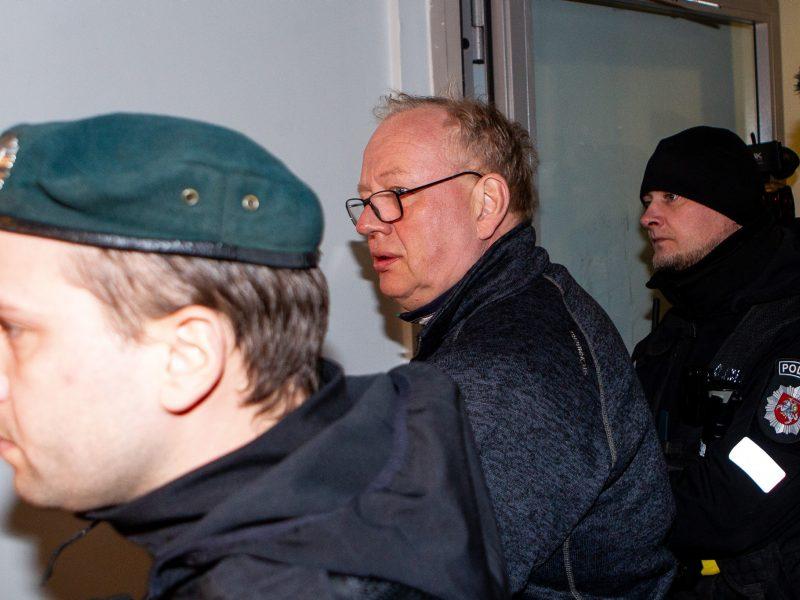 Teisėjų korupcijos byla: dėl  E. Laužiko atleidimo Seimas daro pertrauką