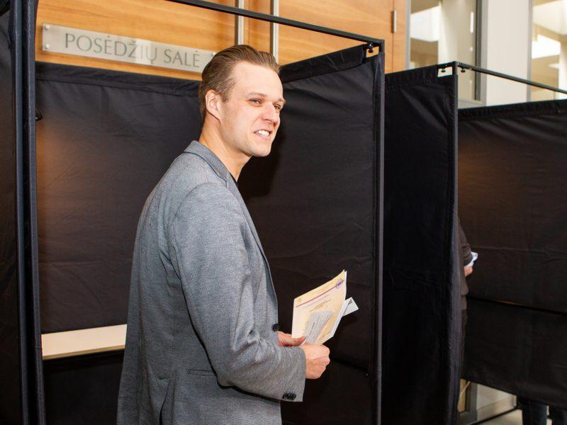Europos Parlamento rinkimuose geriausiai pasirodė konservatoriai