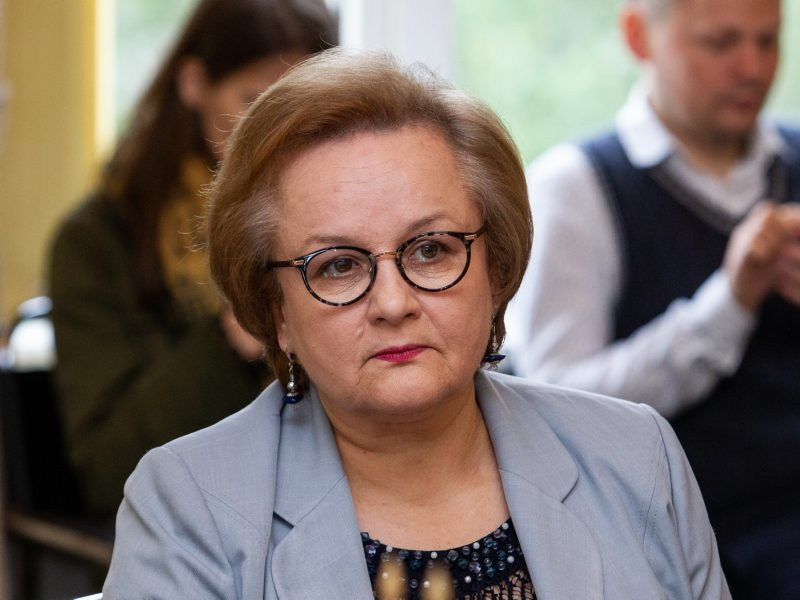 Seimo valdyba per pandemiją L. L. Andrikienę išleido į komandiruotę Albanijoje
