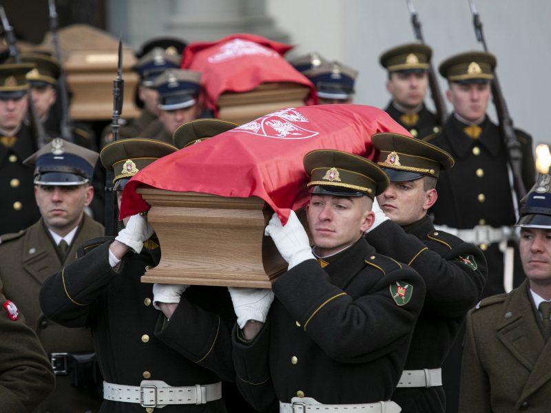 Iškilmingos sukilimo vadų laidotuvės