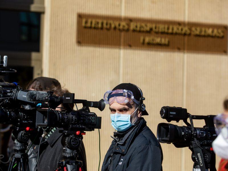 Seimas įtvirtino žurnalistų teisę nemokamai gauti informaciją iš registrų