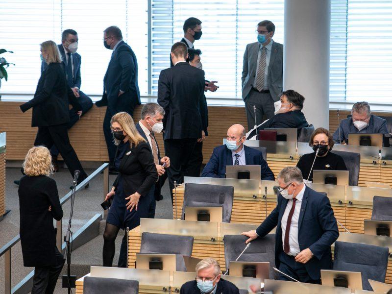 Parlamentarai nepritarė siūlymui įteisinti nuotolinius Seimo posėdžius