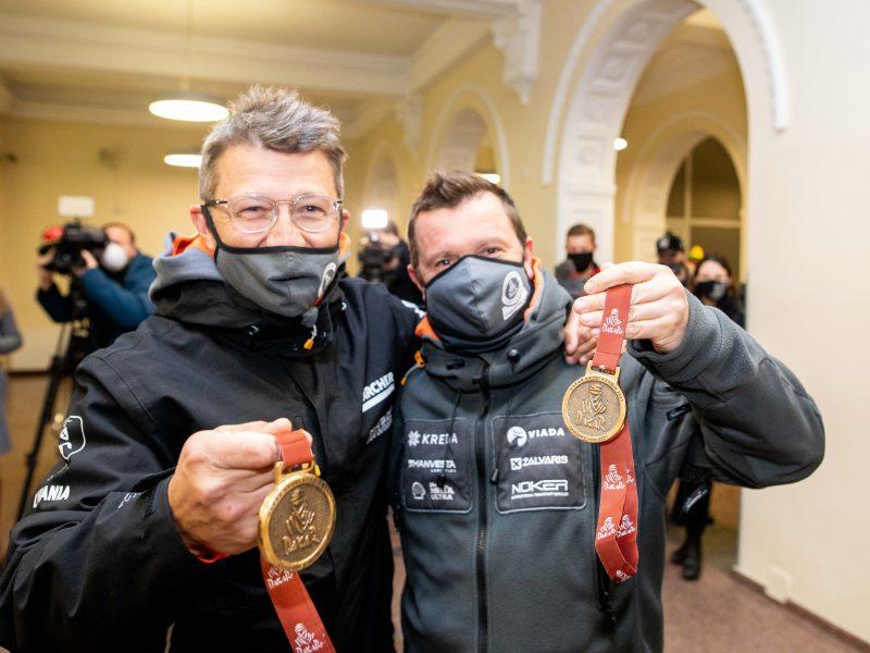 Vilniuje nusileido lėktuvas su Dakaro ralio dalyviais