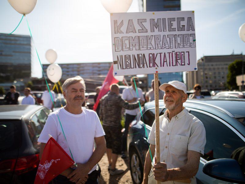 Šeimų maršo protestas prie Seimo