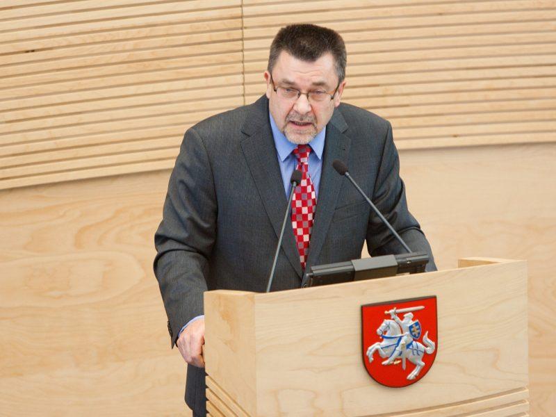 Seimo etikos sargai siūlo keisti kai kurias įstatymų priėmimo procedūras