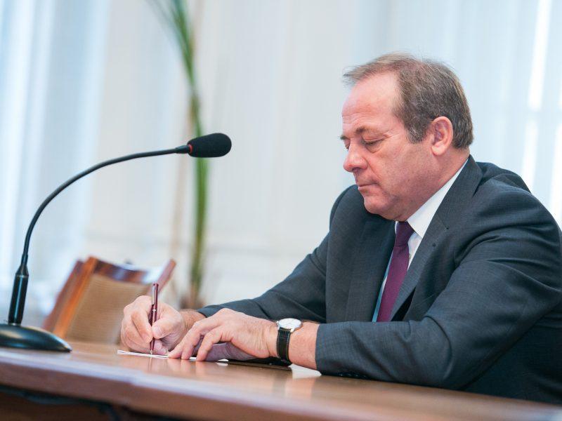 Kyšį priėmęs Vilniaus eksvicemeras skundžiasi buvęs išprovokuotas
