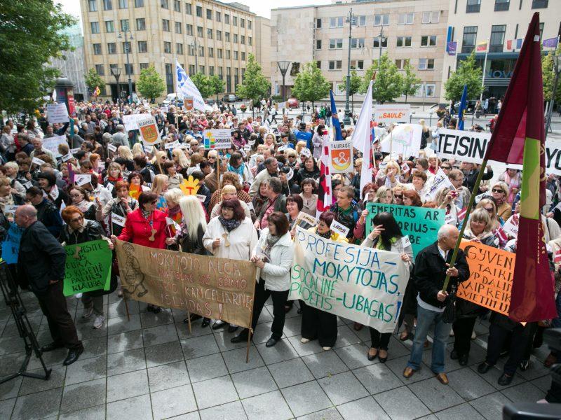 Nauja jungtinė švietimo profsąjunga grasina nutraukti susitarimą su ŠMM