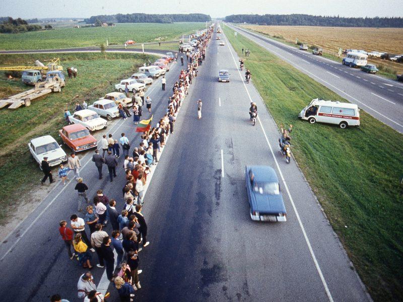 Kviečia pakartoti Baltijos kelią – vėl sustos gyvoji žmonių grandinė