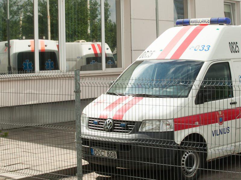 Vilniuje peiliu susižalojo vyras