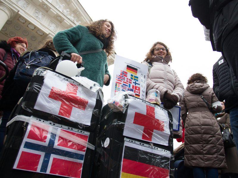 Radikaliai mažinamos medicinos rezidentūros vietos: jauni gydytojai emigruos?