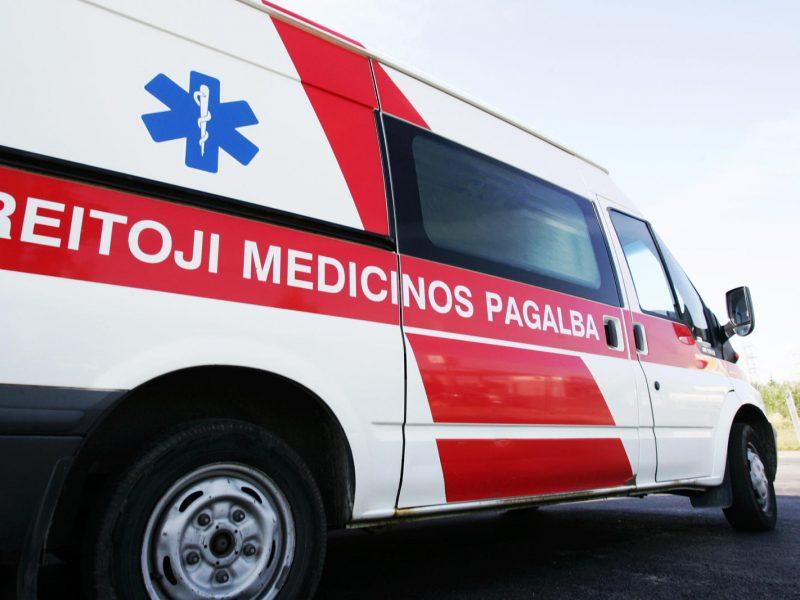 Per trijų automobilių avariją Kauno rajone sužalota moteris