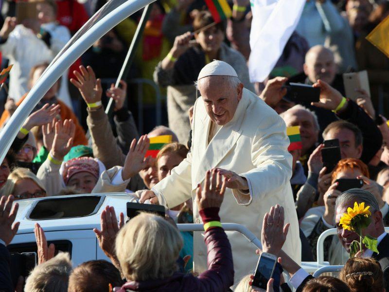 Pandemija privertė popiežių atsisakyti apaštališkųjų kelionių