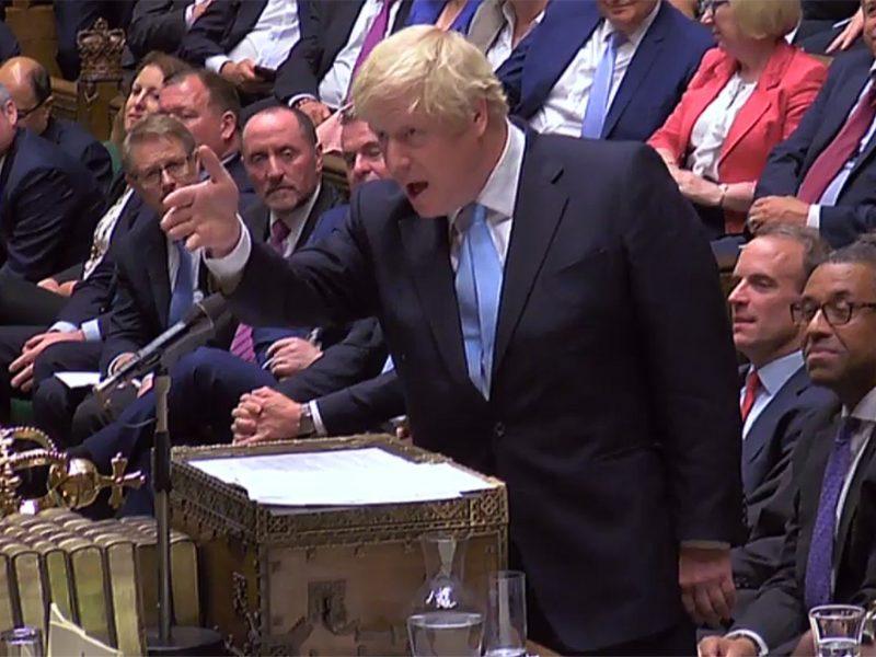 Britų parlamentas prieš darbo sustabdymą sudavė naują smūgį premjerui