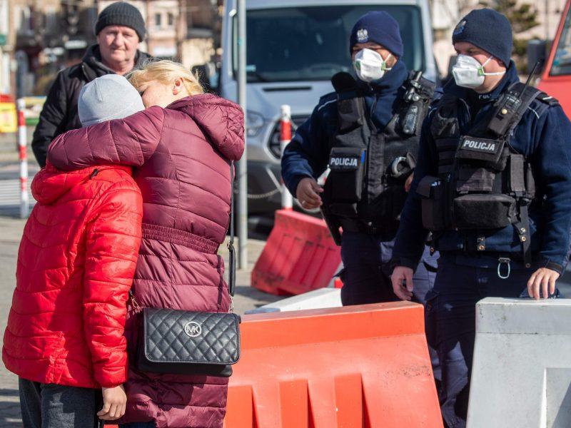 Traukinio iš Vokietijos išvykimas atidėtas: laukiama nespėjančių lietuvių