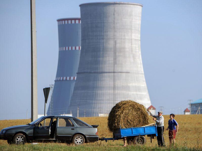 """Lietuva ragina """"Tateną"""" imtis veiksmų dėl Astravo AE"""