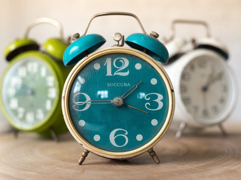 Vėl suksime laikrodžius: valdžia tikisi, kad tai bus vienas paskutinių kartų