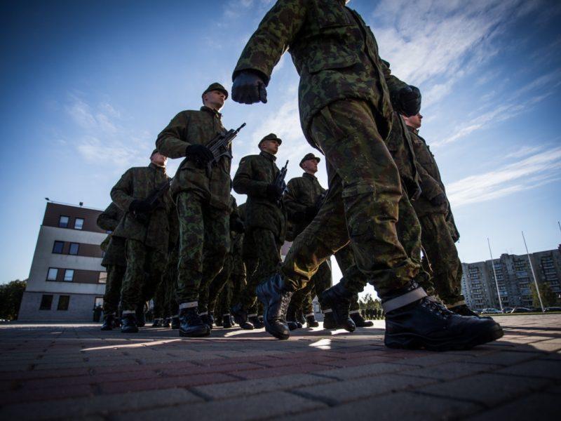 Karo prievolė: į šauktinių sąrašus bus įtraukta apie 31 tūkst. jaunuolių