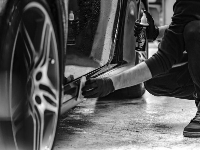 Nelaimė garaže: žuvo remontuojamo automobilio prispaustas vyras
