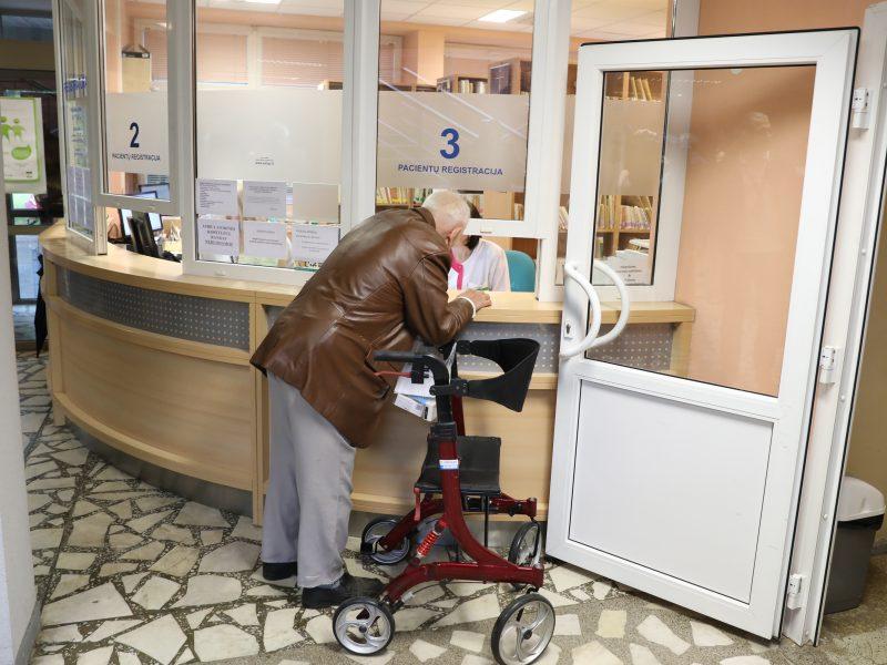 Vyriausybė siūlo patobulinti Darbo kodeksą: aktualu sunkiai susirgusiems