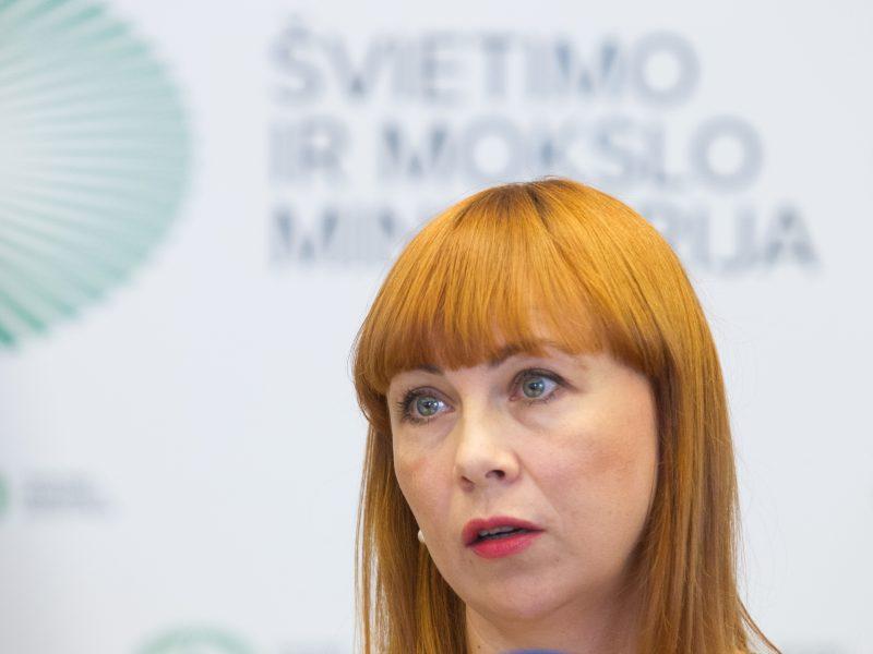 Ministrė etatinio apmokėjimo reformos oponentus kaltina melu
