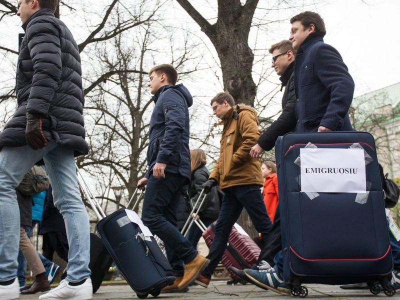 Lietuvių emigracija mažėja: emigranto duona – nebe tokia patraukli?