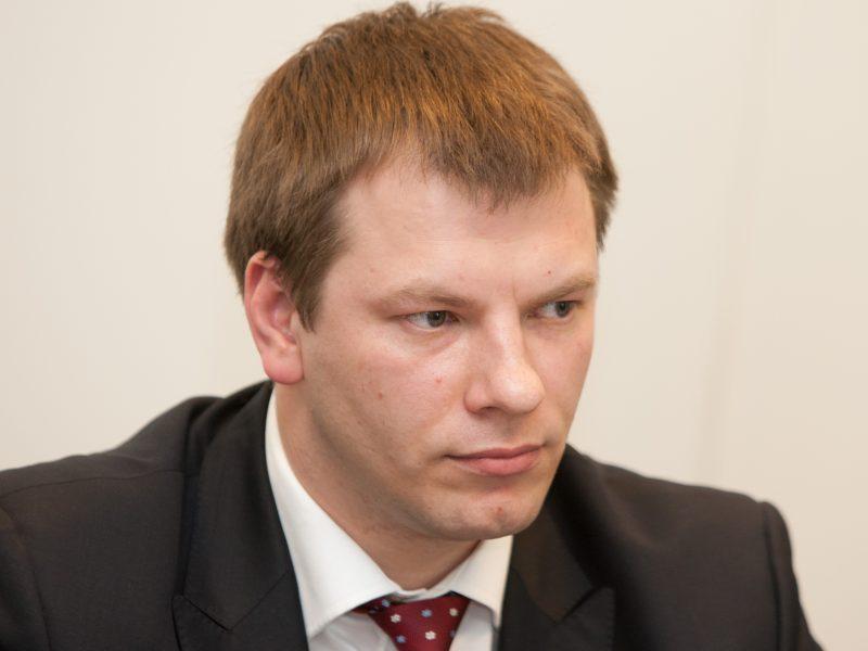 Vyriausybė prašo Seimo leidimo skolintis, kad gynybos finansavimas pasiektų 2 proc.