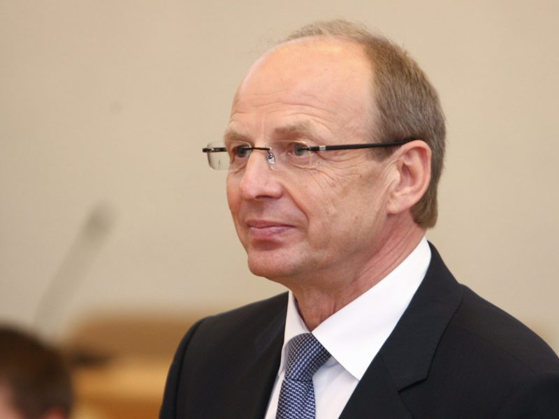 J. Miliaus bylą KT vėl grąžino administraciniam teismui