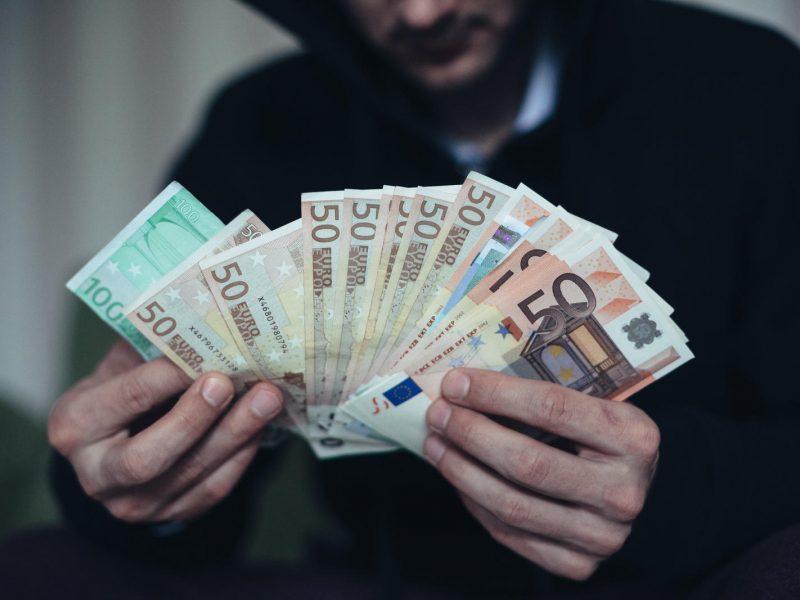 Telefoniniai sukčiai iš vilniečių išviliojo 4,5 tūkst. eurų