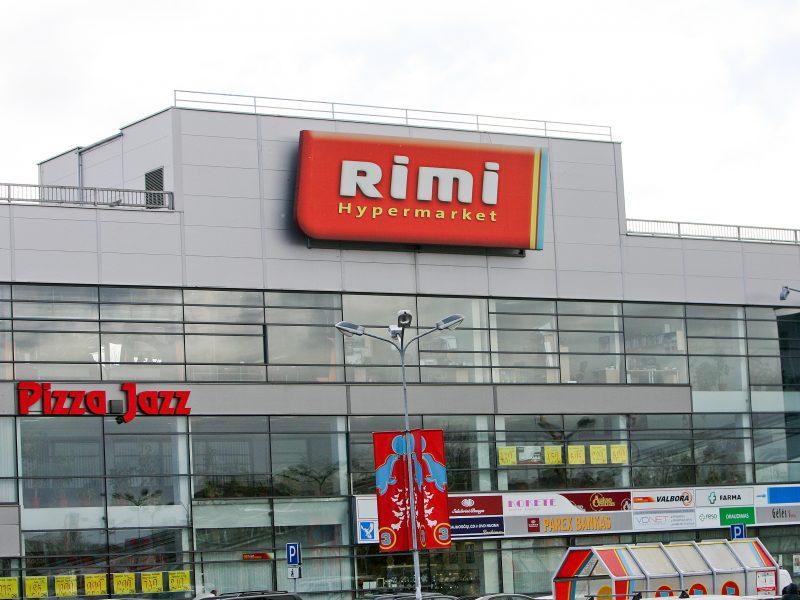 """""""Rimi"""" stabdys prekybą vienkartiniais plastiko gaminiais"""