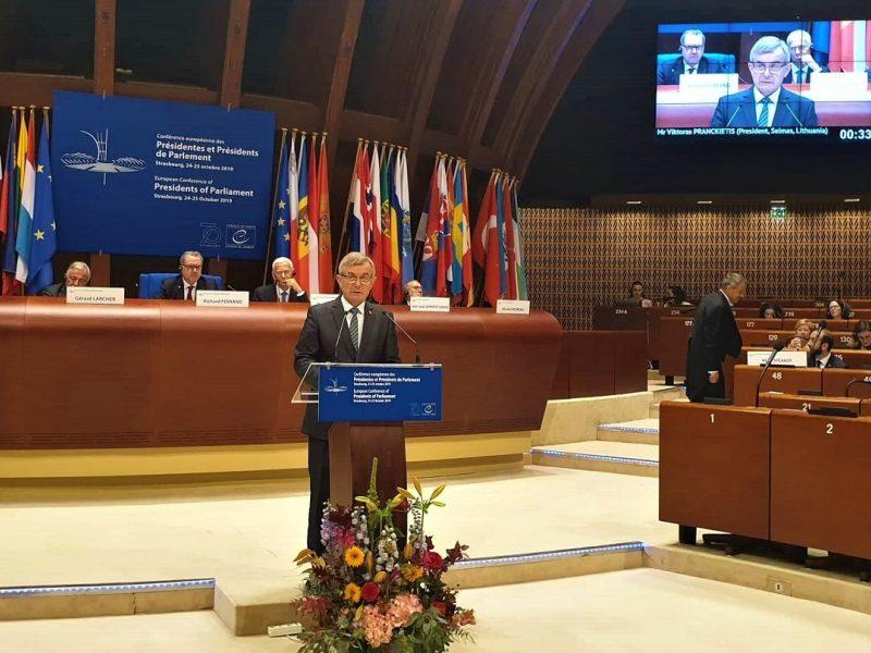 Rusų delegacijai nepatiko V. Pranckiečio kalba Strasbūre: atsistojo ir išėjo