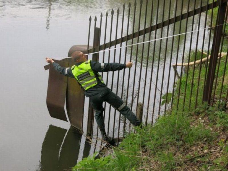 Seime – siūlymas didinti baudas už nelegalių tvorų tvėrimą prie ežerų ir upių