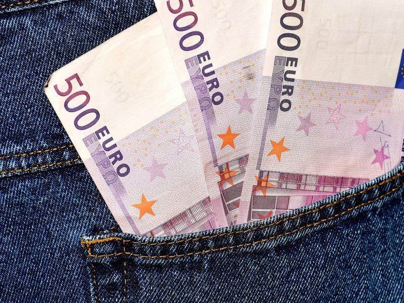 Apsimetėlis policininkas iš vilnietės išviliojo 14,5 tūkst. eurų