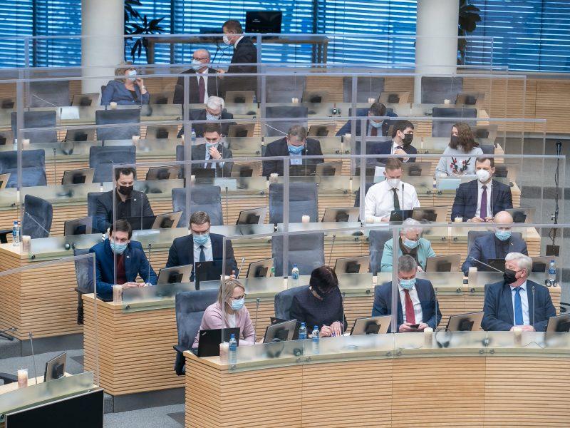 Seimas atmetė etikos sargų siūlymą iš naujo balsuoti dėl privalomo gyvūnų ženklinimo