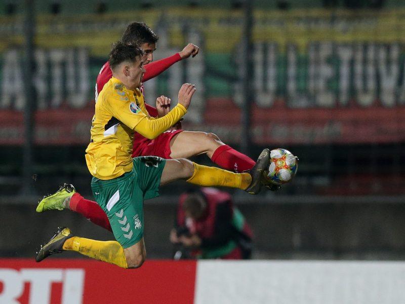 Lietuvos futbolo pavasario dar teks palaukti