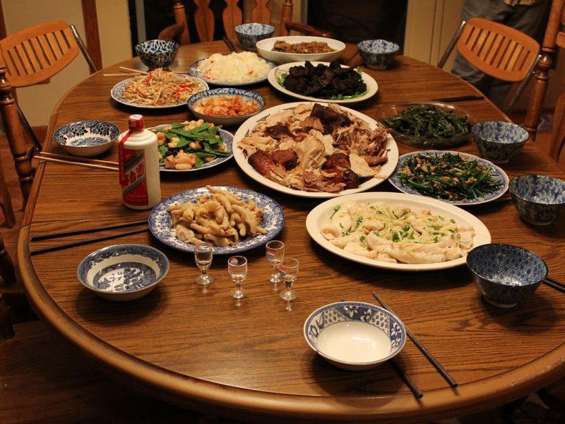 Kinų restoranuose nelegalūs darbuotojai algas gaudavo grynaisiais