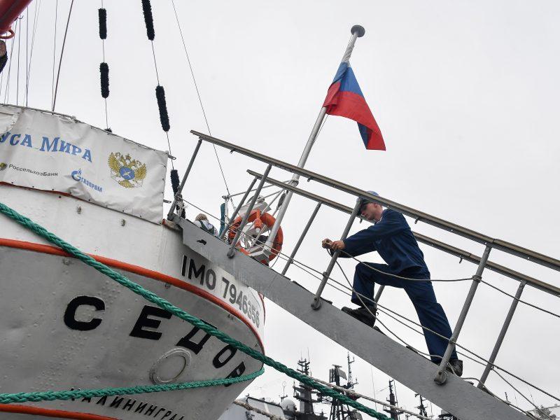 Prie Turkijos krantų nuskendo rusų krovininis laivas, ištraukti dviejų aukų kūnai