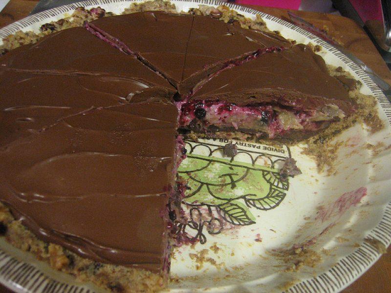 Šokoladinis pyragas su avietėmis
