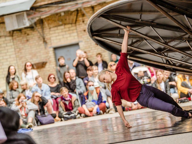 Tarptautinis gatvės teatro festivalis Vilnių pavers meninių žaidimų aikštele