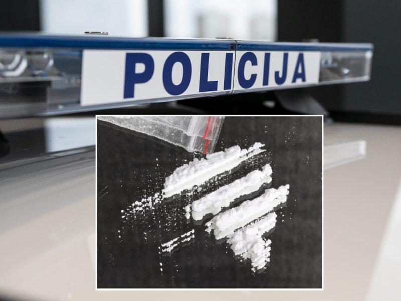 Kaune sulaikyti du vaikinai: vieno jų krepšyje – narkotikai, smulkintuvas ir svarstyklės