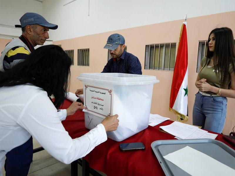 """JAV ir Europa perspėja: rinkimai Sirijoje nebus """"nei laisvi, nei teisingi"""""""