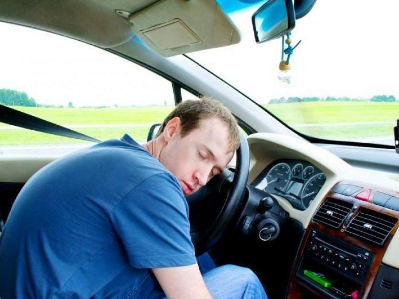 Gatvėse toliau pavojų kelia neblaivūs vairuotojai: prie vairo sėda ir sunkiai apgirtę