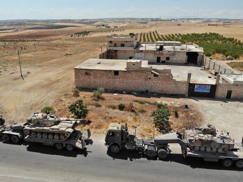 Sirijoje iš oro atakavus Turkijos pajėgų koloną, žuvo mažiausiai trys civiliai