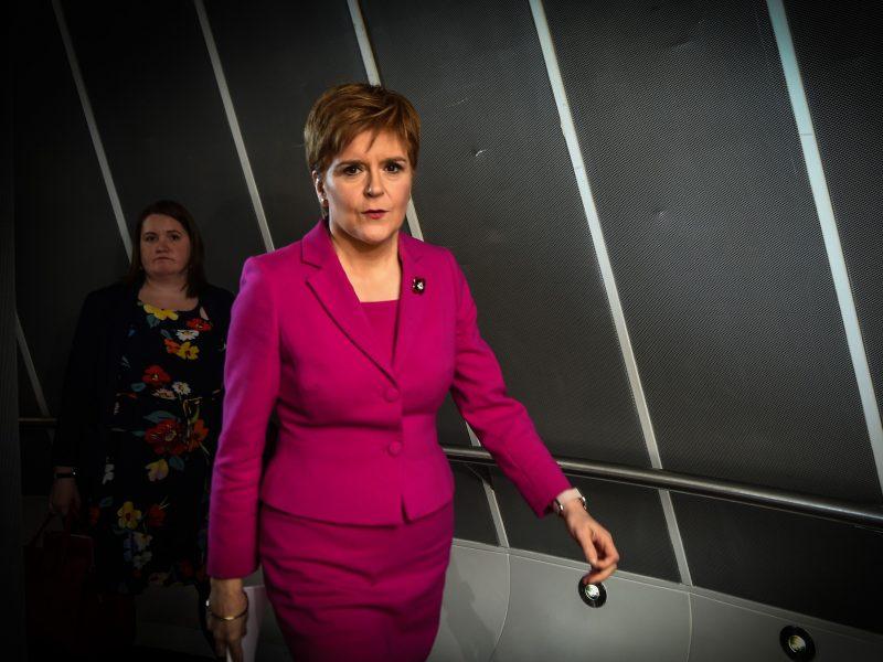 N. Sturgeon: D. Britanija turi leisti Škotijai balsuoti dėl nepriklausomybės